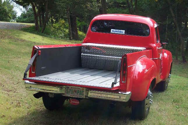 Truck seat belt latches serve to secure the tail gate aloadofball Image collections